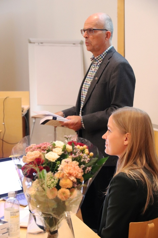 Karin Kinnerud and supervisor Per Krusell at the defense